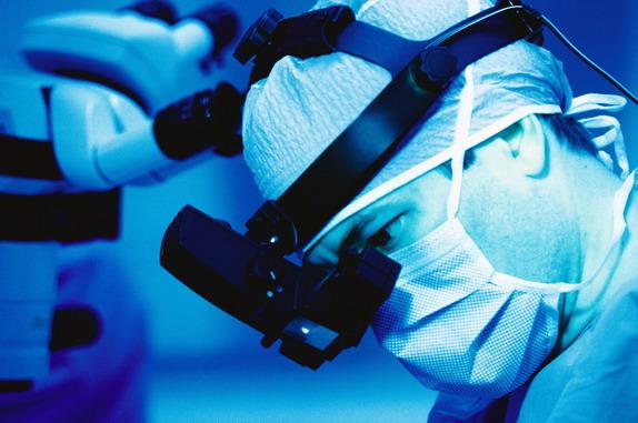 Для восстановления плеча у мальчика использована его собственная локтевая кость
